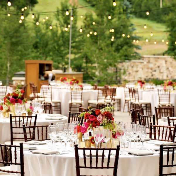 outdoor-wedding-reception