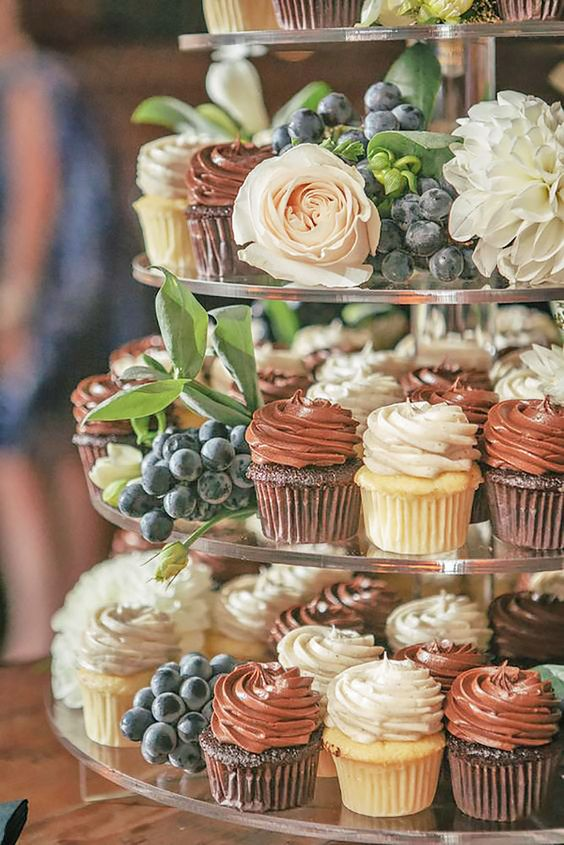 6 Reasons (Wedding) Cupcakes Could Solve All Your Problems